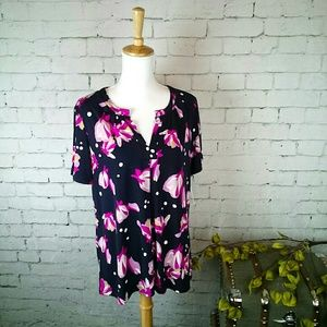 NWT Ellen Tracy short sleeved floral blouse